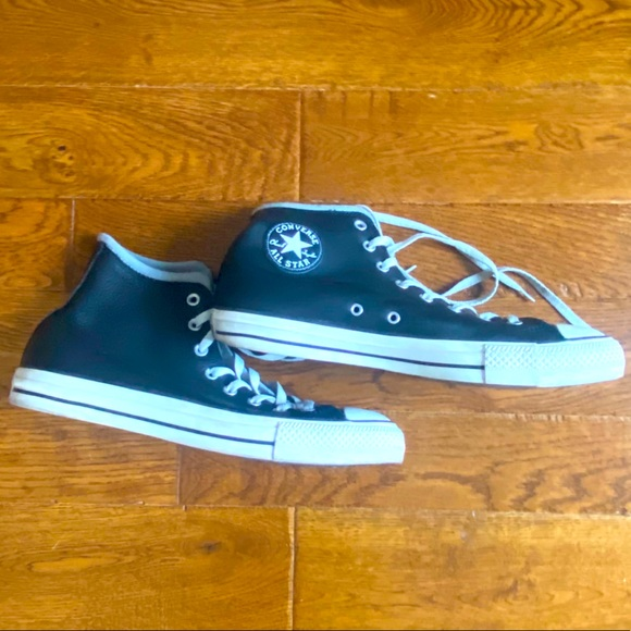CHUCK TAYLOR CONVERSE BLACK LEATHER HIGH TOPS